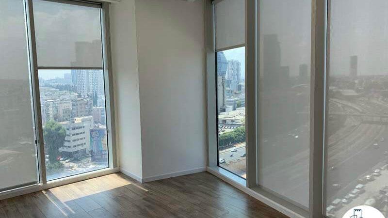 חדר פינתי של השכרת משרד במגדל WE תל אביב