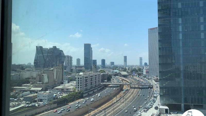 נוף מחלון של השכרת משרד במגדל WE תל אביב