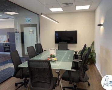 חדר ישיבות של משרד להשכרה במגדל מידטאון תל אביב