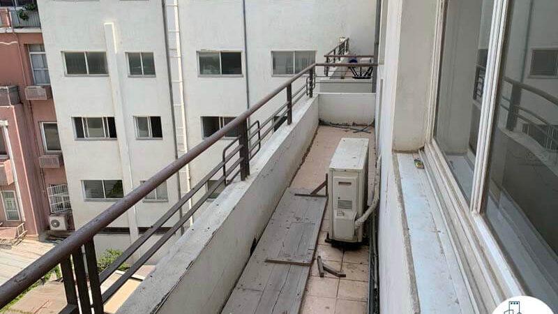 מרפסת של משרד להשכרה בשדרות רוטשילד תל אביב