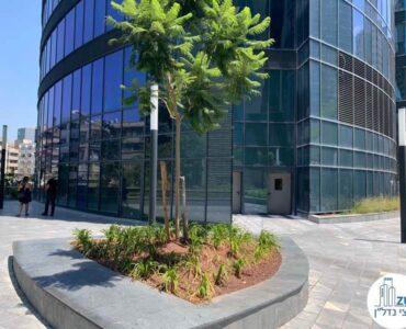 כניסה של שטח מסחרי להשכרה במגדל ספיר מתחם הבורסה רמת גן