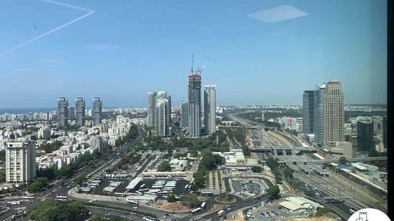נוף מחלון של משרד להשכרה במגדל רסיטל בתל אביב