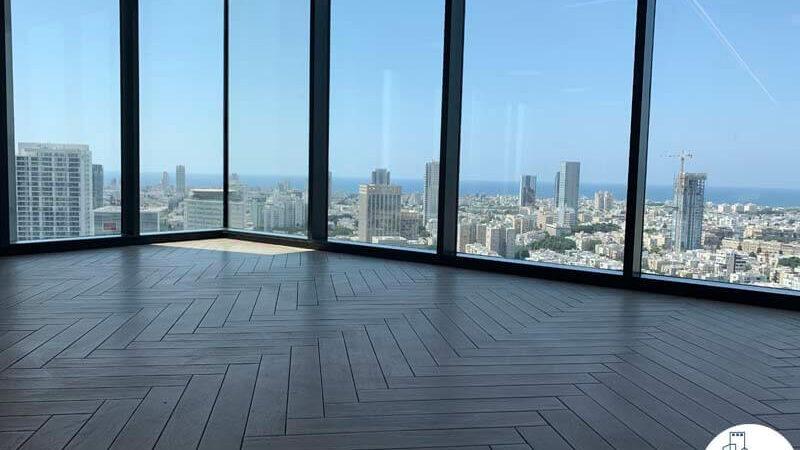 חלונות של משרד להשכרה במגדל רסיטל בתל אביב