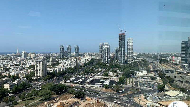 נוף מחלון של משרד להשכרה במגדל רסיטל תל אביב