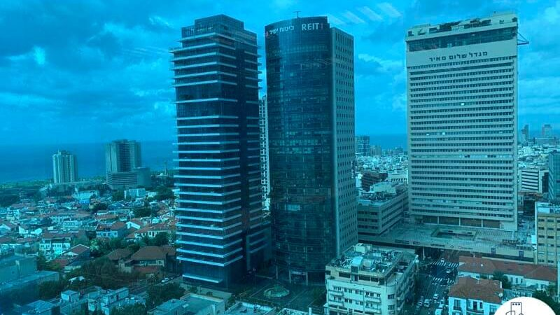 נוף מחלון של משרד להשכרה במגדל דיסקונט תל אביב