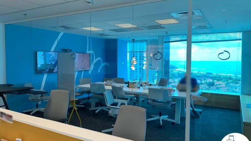 חדר ישיבות של משרד להשכרה במגדל דיסקונט תל אביב