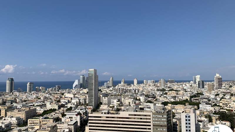 נוף לים ממרפסת של משרד להשכרה עם מרפסת בשדרות רוטשילד תל אביב
