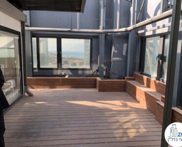מרפסת של משרד להשכרה עם מרפסת בשדרות רוטשילד תל אביב