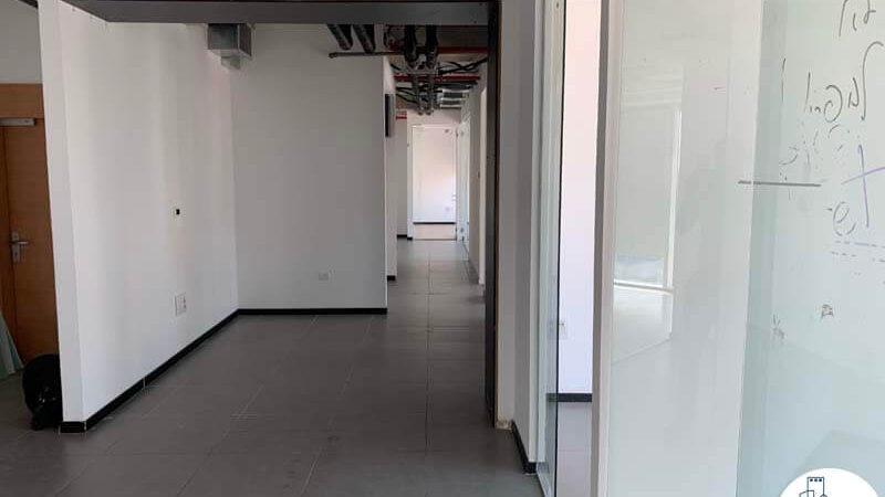 מסדרון של משרד להשכרה במגדל אלקטרה סיטי תל אביב