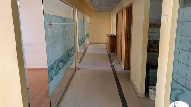 מסדרון של משרד להשכרה במגדל פלטינום תל אביב