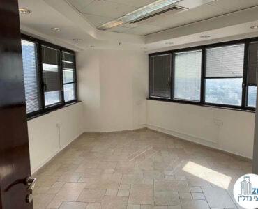 חדר ישיבות של משרד להשכרה במגדל נצבא תל אביב