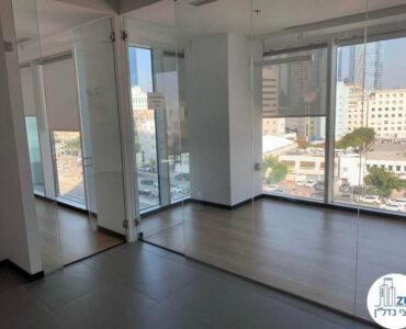 כניסה לחדר ישיבות של משרד להשכרה במגדל אלקטרה סיטי תל אביב
