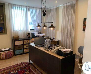 חדר מנהלים של משרד להשכרה בציר יגאל אלון תל אביב