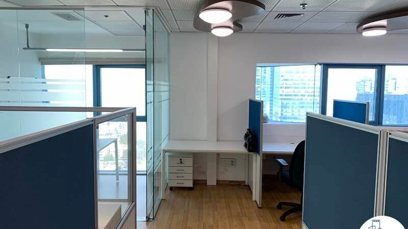 עמדת עבודה של משרד להשכרה במגדל טויוטה תל אביב