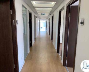 מסדרון של משרד להשכרה במגדל המוזיאון תל אביב