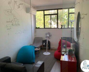 חדר פנאי של משרד להשכרה בשכונת מונטיפיורי תל אביב