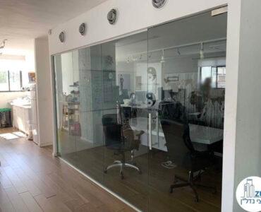 חדר ישיבות של משרד להשכרה בשכונת מונטיפיורי תל אביב