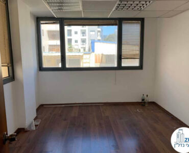 חדר של משרד להשכרה על שדרות יהודית תל אביב