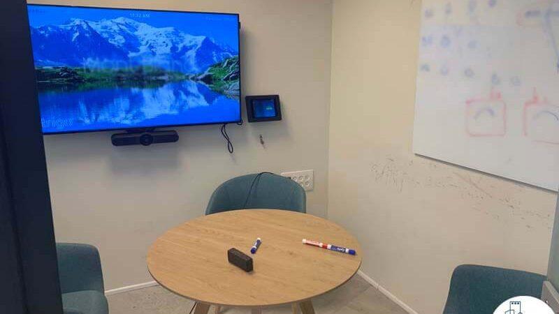 חדר פגישות של משרד להשכרה במגדל WE תל אביב