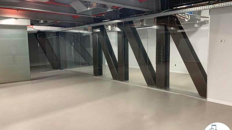 כניסה לחדרים של משרד להשכרה במתחם הארבעה במגדל פלטינום תל אביב