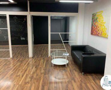 כניסה לחדרים של משרד להשכרה במתחם שרונה במגדל פלטינום תל אביב