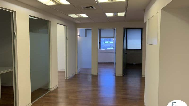 כניסה לחדרים של משרד להשכרה במתחם רוטשילד תל אביב