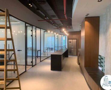 מסדרון של משרד להשכרה לחברות הייטק במגדל ספיר רמת גן