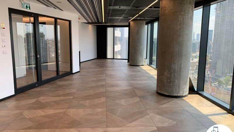 כפינת כניסה של משרד להשכרה במגדל רסיטל תל אביב