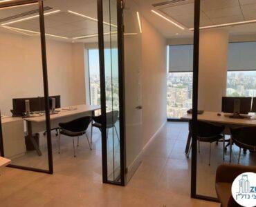 כניסה לחדרים של לקוח מרוצה מעסקת תיווך במגדל רסיטל תל אביב