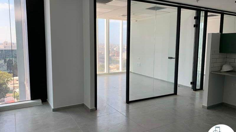 כניסה לחדרים של משרד להשכרה במגדל סקי טאוור תל אביב